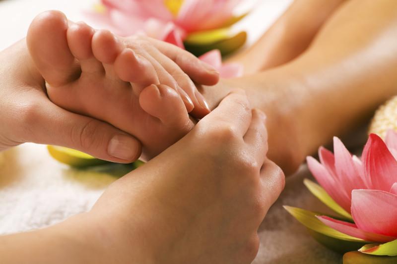 footmassage-1-e1460307121797